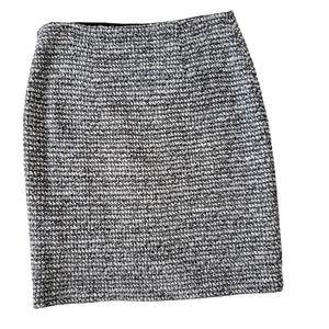 St. John Tweed Pencil Skirt Metallic Silver Black